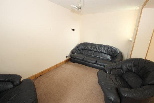 Thumbnail Flat to rent in Avison Street, Newcastle Upon Tyne