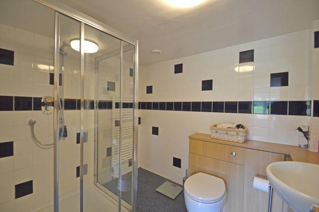 En Suite of Lyons Road, Slinfold, Horsham RH13