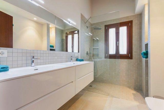 Bathroom 1 of Spain, Mallorca, Palma De Mallorca, Son Gual