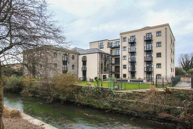 Thumbnail Flat to rent in Lloyd George Avenue, Cardiff