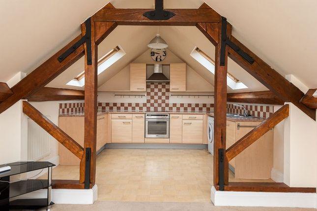 2 bed flat to rent in Junction Lane, Burscough, Ormskirk