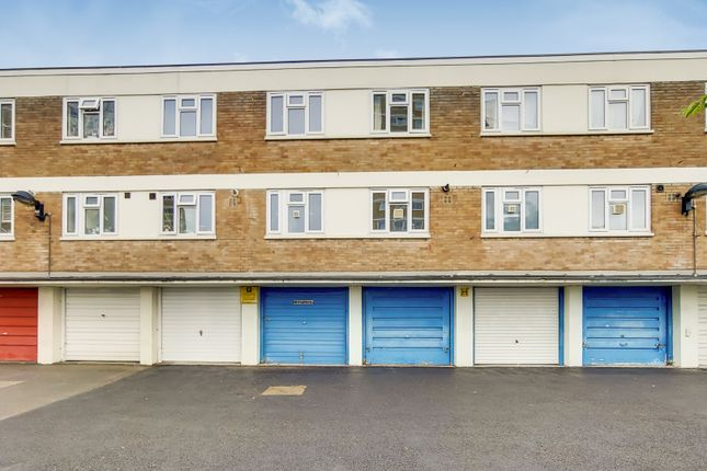 Thumbnail Terraced house for sale in Commerce Road, London