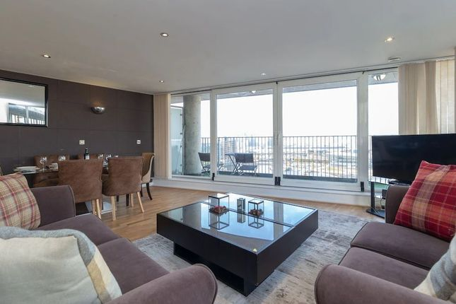 Thumbnail Flat for sale in Coral Apartments, Western Gateway, London