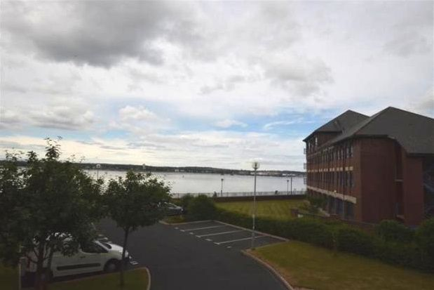 2 bed flat to rent in Armstrong Quay, Liverpool