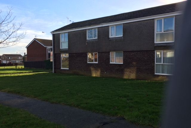 2 bed flat to rent in Aln Court, Ellington