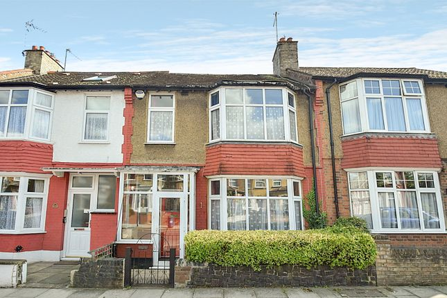 4 bed terraced house for sale in Squires Lane, Finchley