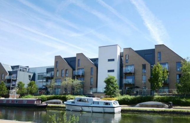 Thumbnail Flat for sale in Chantry Close, Yiewsley