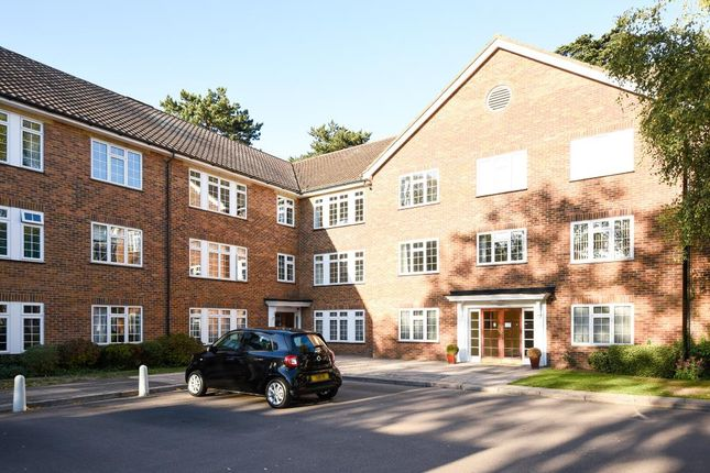 Thumbnail Flat to rent in Myrtleside Close, Northwood