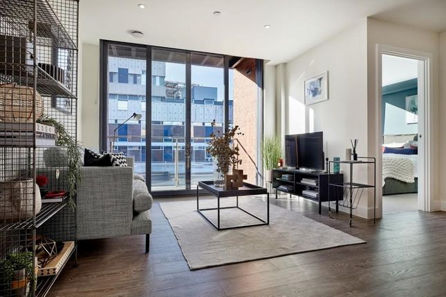 2 bed flat for sale in Tottenham Lane, London N8