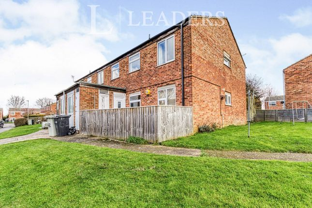 2 bed flat to rent in Beverley Close, Holton-Le-Clay, Grimsby DN36