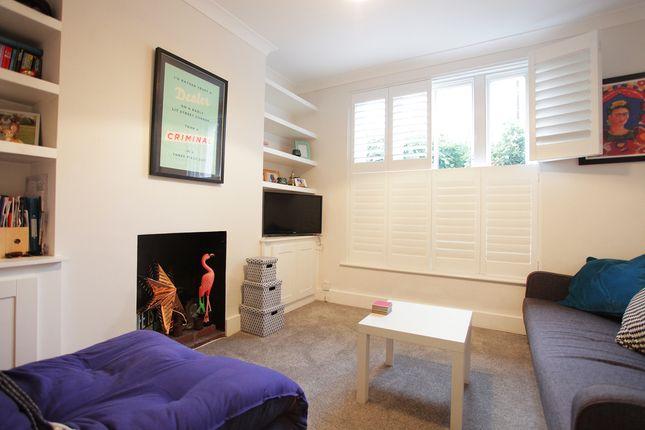 Thumbnail Flat to rent in Endlesham Rd, Balham