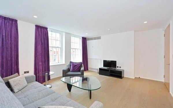 Thumbnail Flat to rent in Eastcastle Street, London
