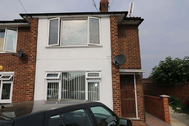 Thumbnail Maisonette to rent in Malpas Road, Slough, Berkshire