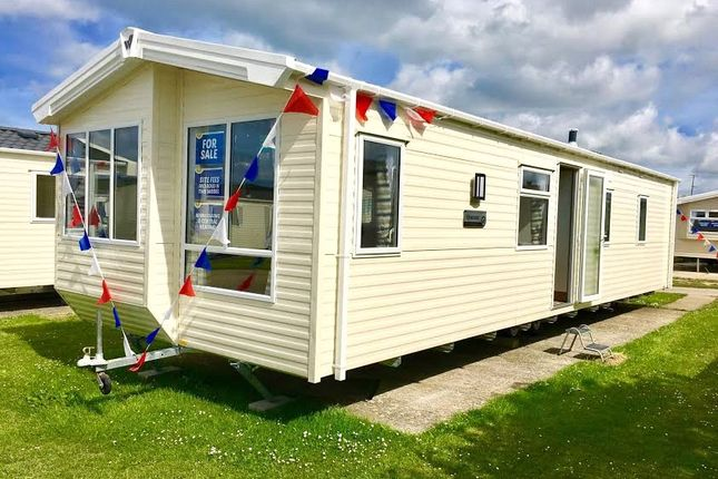 Thumbnail Mobile/park home for sale in Bude Holiday Resort, Maer Lane, Bude