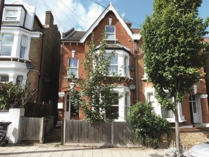 Thumbnail Flat for sale in Deronda Road, London