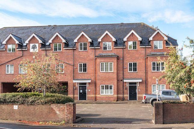2 bed flat for sale in Haden Hill Road, Halesowen B63