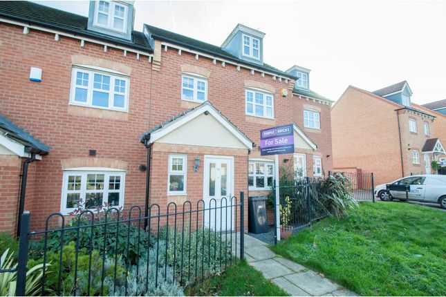 Thumbnail Town house for sale in Thompson Hill, Sheffield