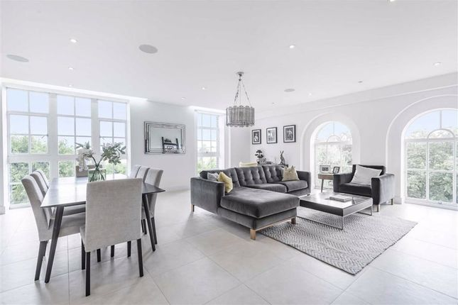 Thumbnail Flat for sale in Hadley Road, Enfield, Middlesex