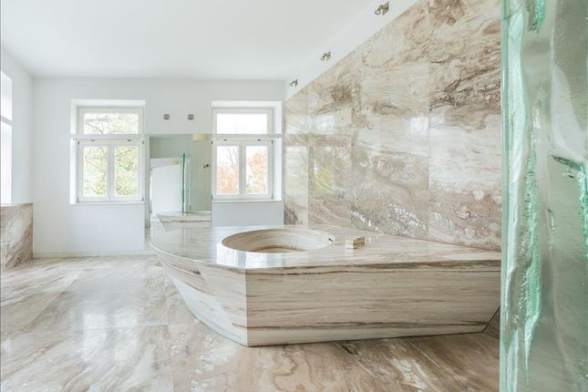 Thumbnail Commercial property for sale in Bathroom And Kitchen Retailer, Offering Installation And Design Services RH20, Storrington, West Sussex