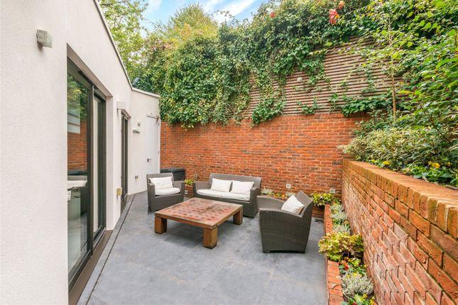 Garden of Well Road, Hampstead, London NW3