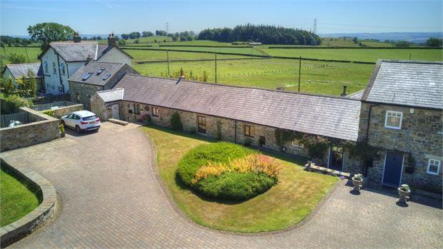 Thumbnail Barn conversion for sale in Halton Barn, Halton Shields, Corbridge