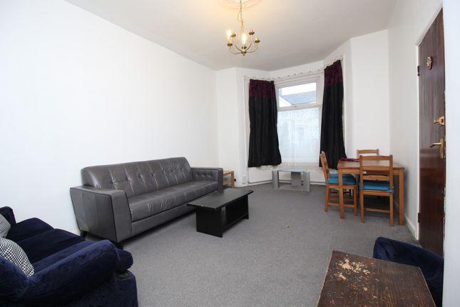 Thumbnail Flat to rent in Kensington Gardens, Ilford, Essex