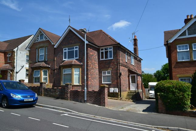 Thumbnail Flat to rent in Grove Avenue, Yeovil