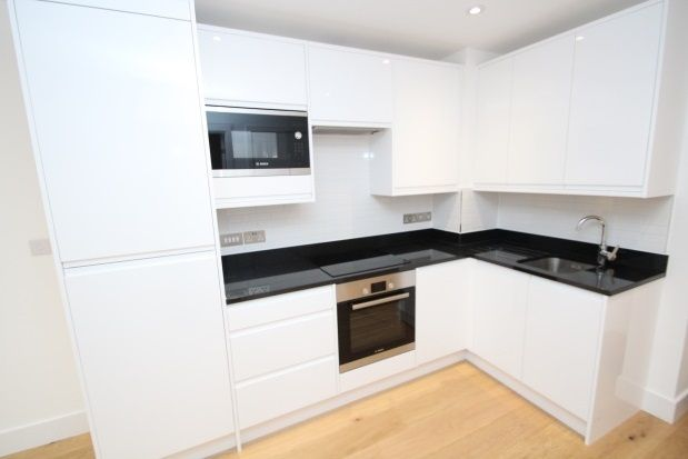 1 bed flat to rent in Central Cross, South End, Croydon