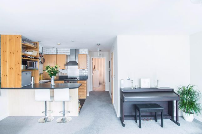Thumbnail Flat for sale in Hart Street, Brentwood