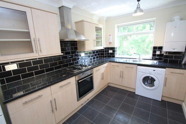 Thumbnail Flat to rent in Eden Road, Croydon