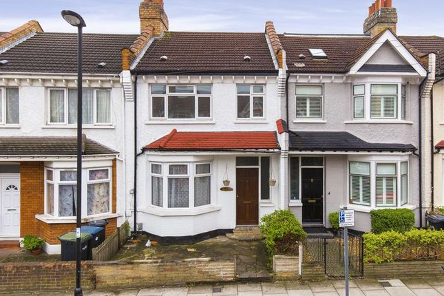 Thumbnail Terraced house for sale in Princes Avenue, Palmers Green