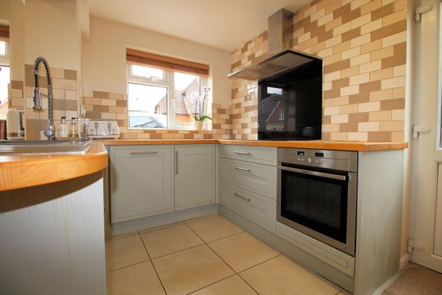 Kitchen of Wychwood Close, Sonning Common RG4