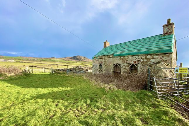 Thumbnail Country house for sale in Plas Y Pinc, Pwllderi, Trefasser, Goodwick
