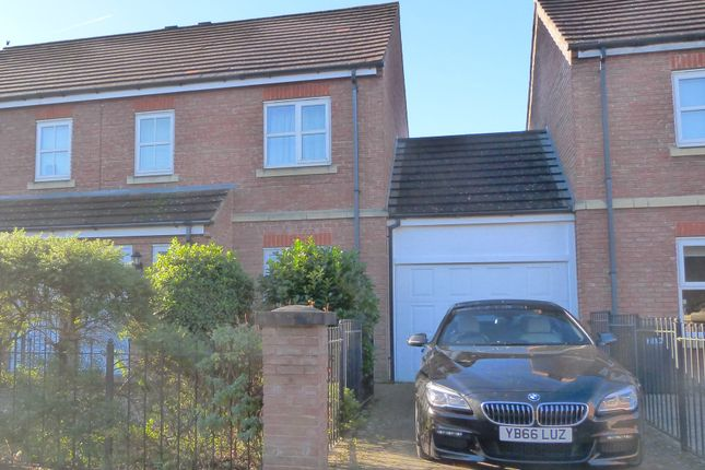 Thumbnail Semi-detached house to rent in Redfearn Mews, Harrogate