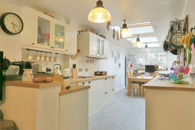 Thumbnail Maisonette for sale in Queens Road, Watford, Hertfordshire