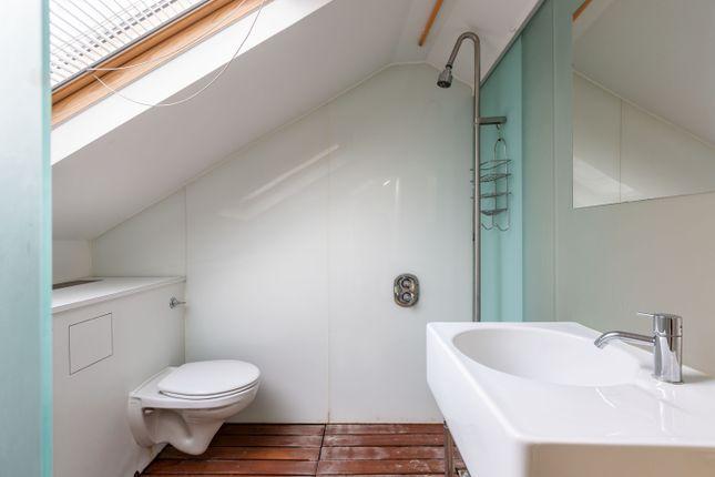 Bathroom of Ezra Street, London E2