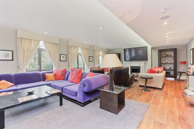 Thumbnail Flat to rent in The Bishops Avenue, Hampstead Garden Suburbs