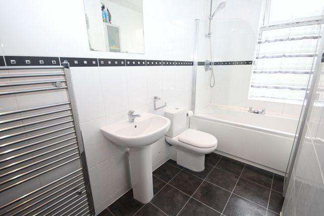 Bathroom of Grimes Street, Norden, Rochdale OL12