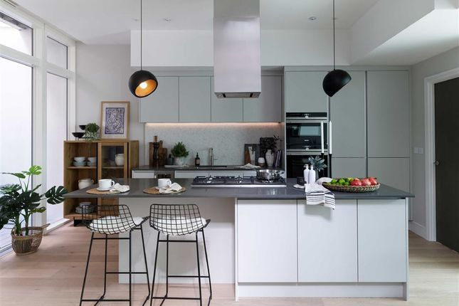 Thumbnail Property for sale in Stormont Road, London