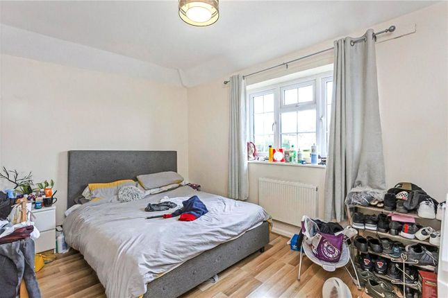 Bedroom of Sunnymead Road, London SW15