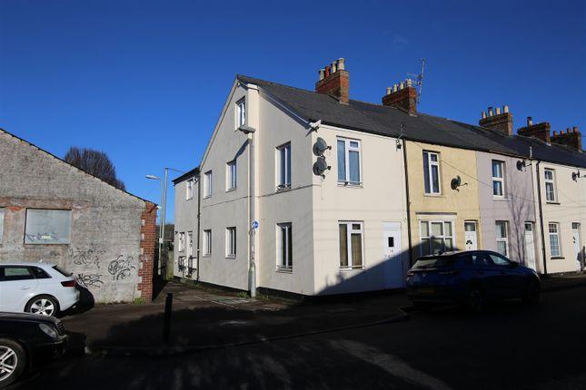 Thumbnail Maisonette to rent in Blundells Road, Tiverton