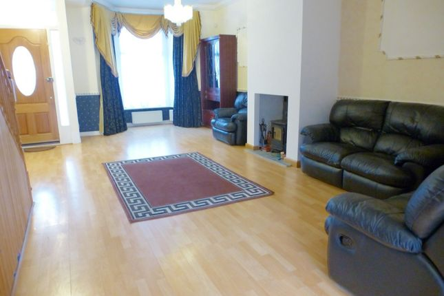 Thumbnail Property to rent in Elgin Road, Ilford