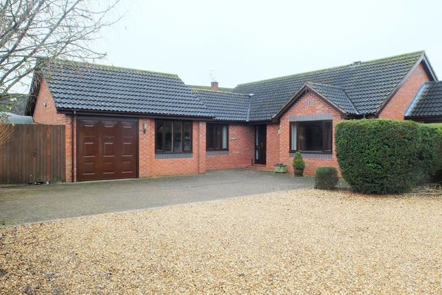 Thumbnail Bungalow for sale in Fairfields Road, Ledbury, Herefordshire