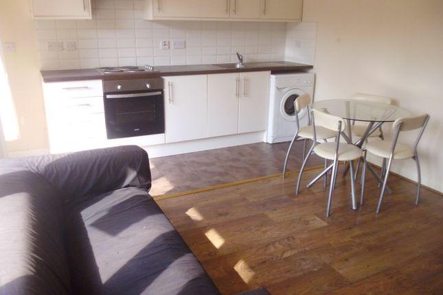 Thumbnail Flat to rent in Churchward Gardens (Available September 2017), Kennington