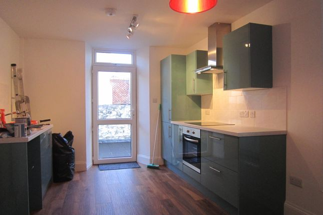 Thumbnail Flat to rent in Radford Road, West Hoe, Plymouth