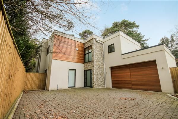 Thumbnail Detached house to rent in Balcombe Road, Branksome Park, Poole