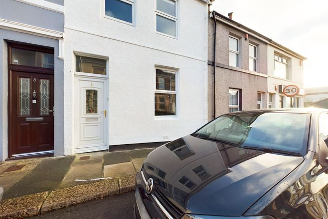 2 bed terraced house to rent in Corporation Road, Plymouth PL2