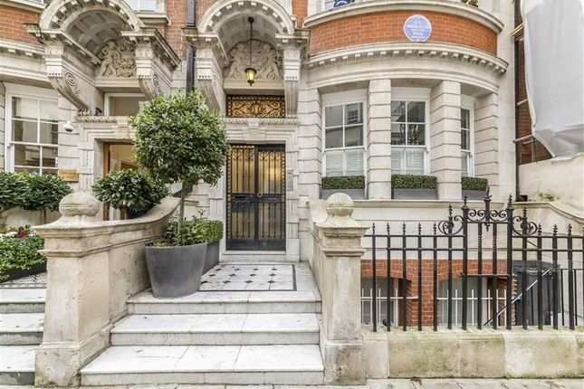 Thumbnail Flat for sale in Dunraven Street, London