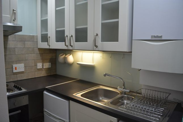Studio to rent in New Cavendish Street, London