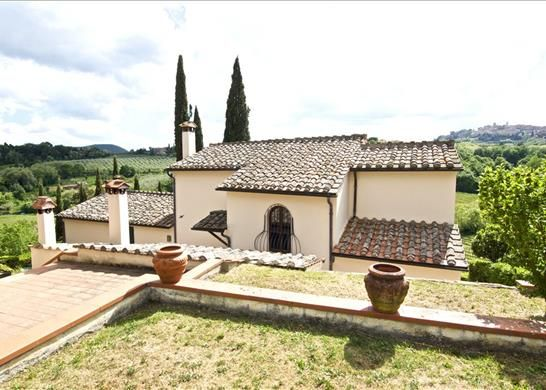 5 bed detached house for sale in 53045 Montepulciano Siena, Italy